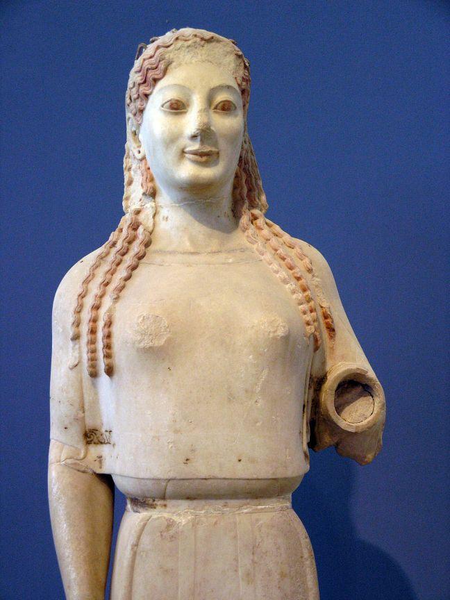 Kore del Peplo_ca. 530 a. C._Museo de la Acrópolis